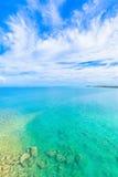 Море изумрудно-зеленого в Окинаве Стоковая Фотография RF
