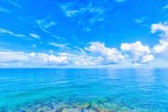 Море изумрудно-зеленого, Окинава Стоковые Изображения