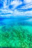 Море изумрудно-зеленого, Окинава Стоковое фото RF