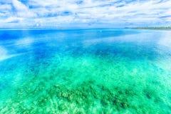 Море изумрудно-зеленого, Окинава Стоковые Фото
