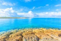 Море изумрудно-зеленого, Окинава Стоковое Изображение
