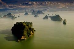 Море и гора Стоковые Изображения