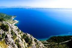 Море и горный вид Дубровника Хорватии стоковое фото