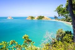Море и голубое небо, море Andaman, lanta koh, krabi, Таиланд Стоковая Фотография