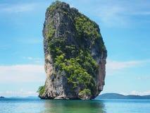 Море и голубое небо, Таиланд Стоковая Фотография