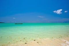 Море и голубое небо Стоковые Фотографии RF