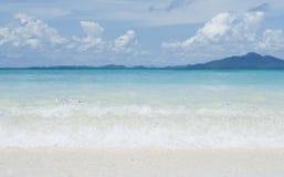 Море и песок Стоковое Изображение