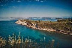 Море и побережье в Кантабрии стоковое изображение rf