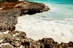 Море и рифы бирюзы Пена моря стоковое изображение rf