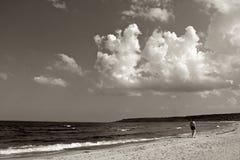 Море и старик Стоковые Фотографии RF