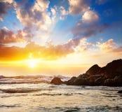 Море и утесы стоковая фотография rf