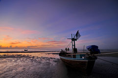 Море и шлюпка Стоковые Изображения
