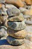 море камушков фокуса предпосылки видит башню камней Стоковое Изображение RF