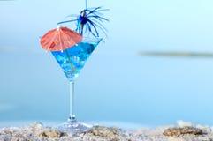 Море лета коктеила голубое стоковое изображение rf