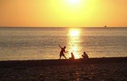 Море мальчика каменное Стоковые Фотографии RF