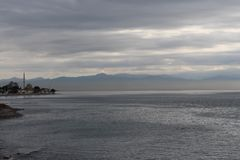 Море на пасмурный день стоковая фотография rf