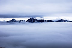 Море облаков и гор Стоковое фото RF