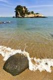 море острова утесистое стоковое изображение