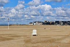 Море, пальмы, песчаный пляж Стоковые Фотографии RF