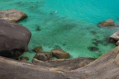 Море развевает камни Стоковое Изображение RF