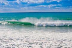 Море развевает на seashore Стоковые Фотографии RF