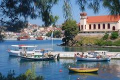 Море, шлюпки и церковь Стоковое Фото