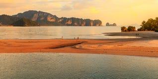 Море andaman Krabi островов Phi Phi залива мам Loh sa, к югу от Thaila Стоковые Фото