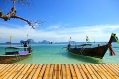 Море krabi Таиланда с полом bamboor Стоковое Изображение RF