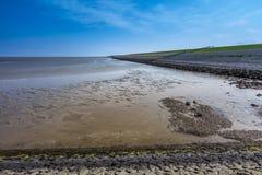 Море Wadden и Dike Стоковые Фотографии RF