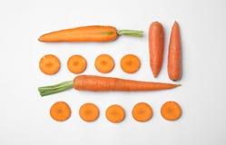 Моркови целого и отрезка свежие стоковые изображения rf