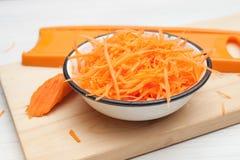 Морковь, заскрежетанные моркови стоковая фотография