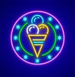 Мороженое в значке неоновой вывески чашки waffle Стоковые Фото