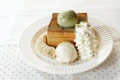 Мороженое и провозглашанный тост хлеб Стоковое Фото