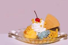 Мороженое манго и мяты в шарах к творческому для дизайна стоковые изображения rf