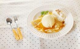 Мороженое с crepe Стоковое Изображение RF