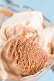 Мороженое шоколада макроса крупного плана ванильное в шаре Стоковые Изображения RF