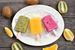 Мороженое popsicles плодоовощ Стоковое Фото