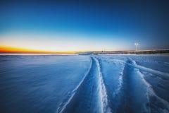 Морозное утро с дорогой снега Стоковое Изображение RF