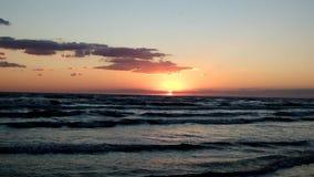 Морская краска захода солнца сток-видео