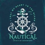 Морская эмблема с анкером, рулевым колесом и волнами иллюстрация штока