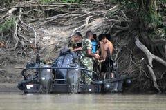 Морские пехотинцы на реке Guaviare стоковые фотографии rf