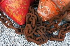 Морские цепи с томбуями стоковая фотография