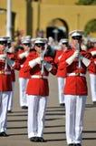 морской пехотинец корпуса полосы маршируя стоковая фотография rf