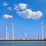 Морской порт груза. Ветротурбины. стоковое изображение rf