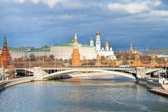 Картинки кремля в москве осень