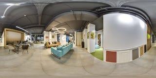 Москва - 2018: Красивый модный интерьер магазина дизайна мебели в современном моле с интерьером просторной квартиры Конкретный по Стоковое Изображение