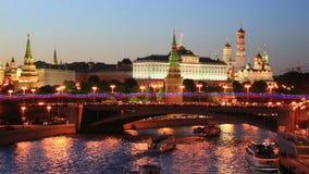 Москва Кремль в ноче, Москва, Россия акции видеоматериалы