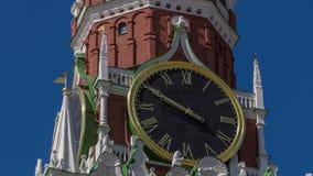 Москва Кремль, красная площадь Башня с часами Spasskaya сток-видео