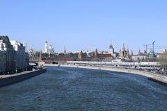 Москва Кремль на солнечный весенний день стоковая фотография