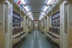 Москва - 4-ое августа 2018: Интерьер пустого экипажа в метро Москвы стоковые фотографии rf